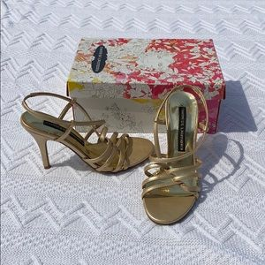 Chinese Laundry Gold Pumps!!!